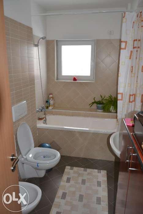 Apartament 3 camere, nou, zona Aradului