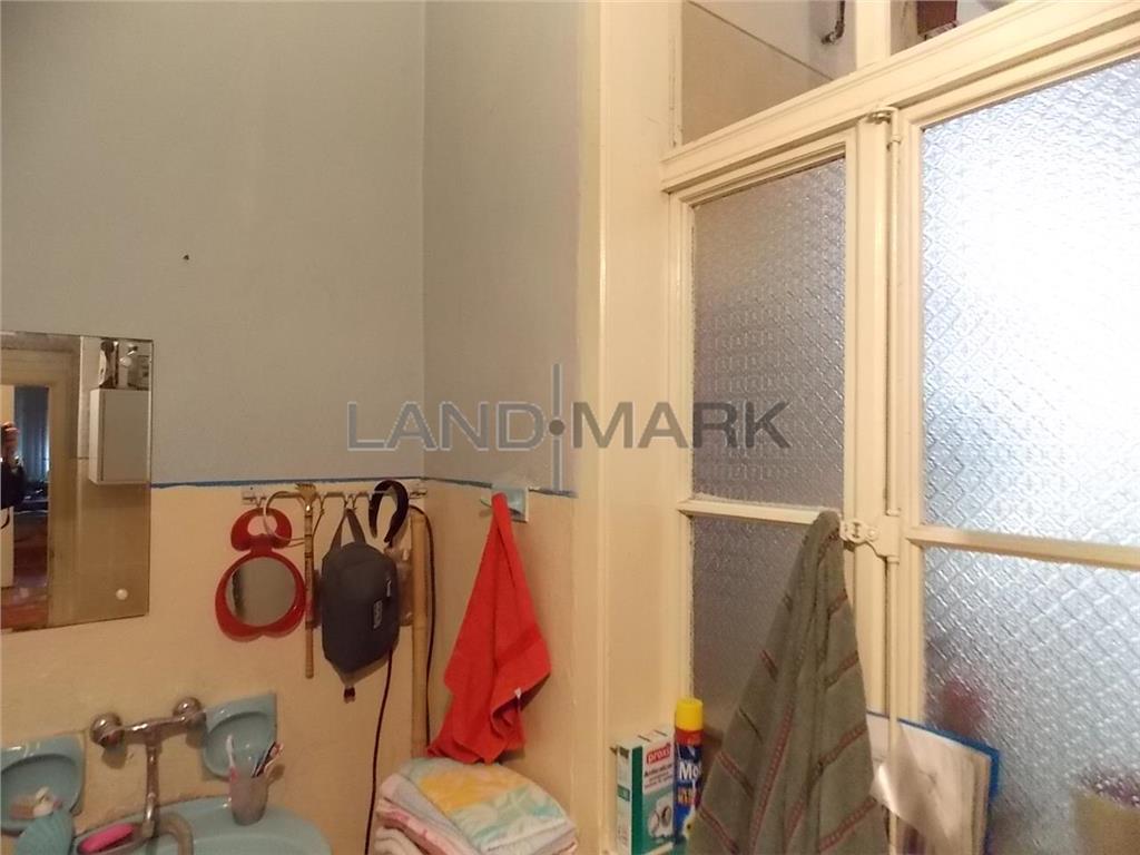 Apartament cu 4 camere de vanzare zona centrala aproape de Pta Maria