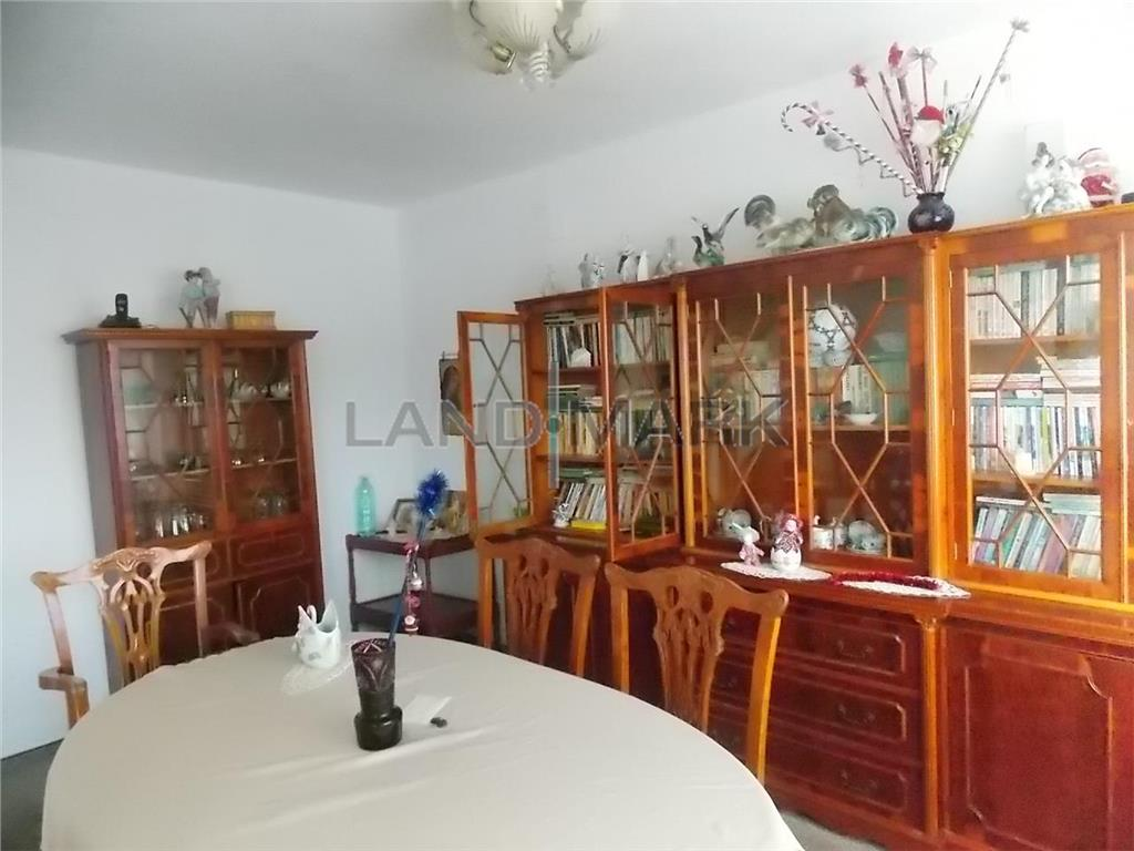 Apartament cu 5 camere de vanzare in zona Lipoveiviile fabric