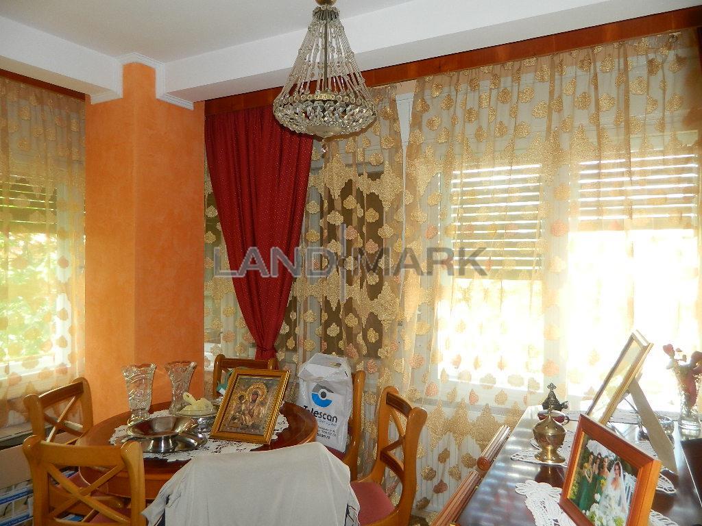 Apartament de vanzare cu 5 camere,situat in zona COMPLEX