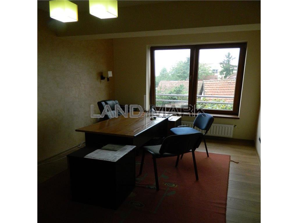 Apartament de vanzare cu 2 camere, situat in zona MEHALA