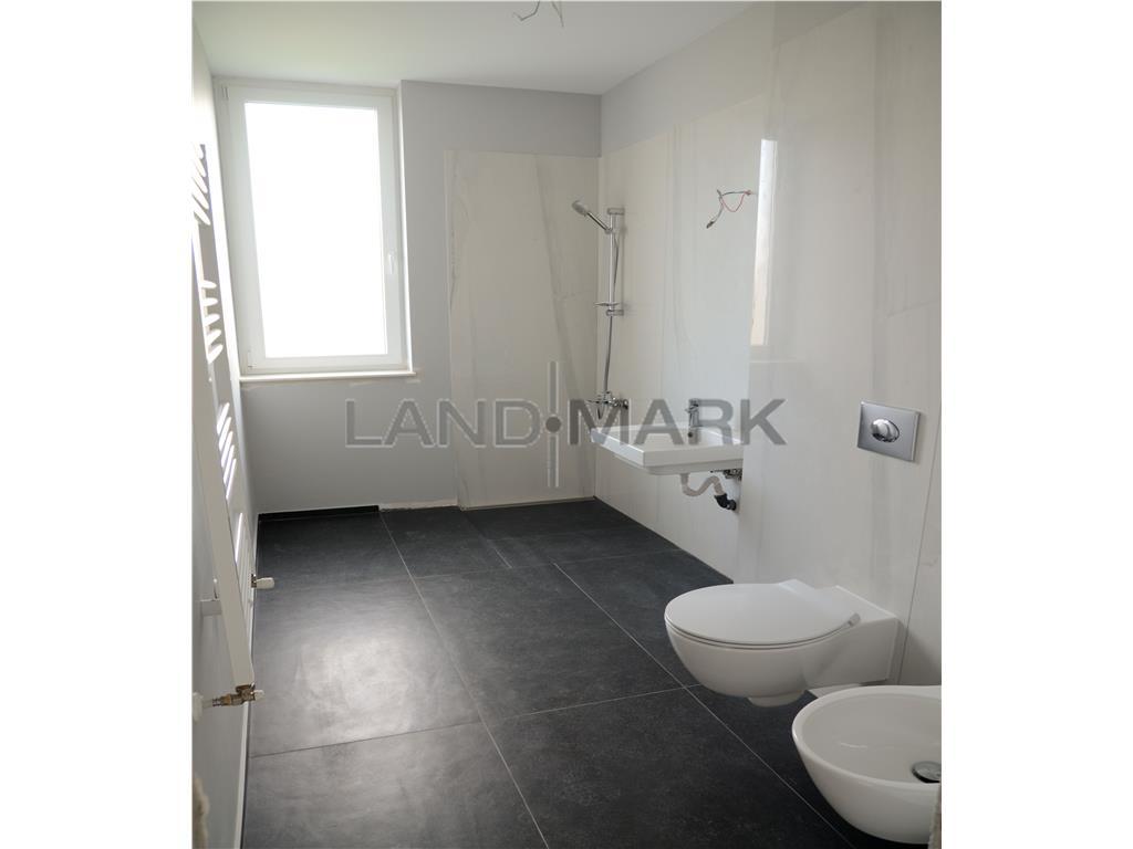 Apartament trei camere, bloc nou, finisaje deosebite