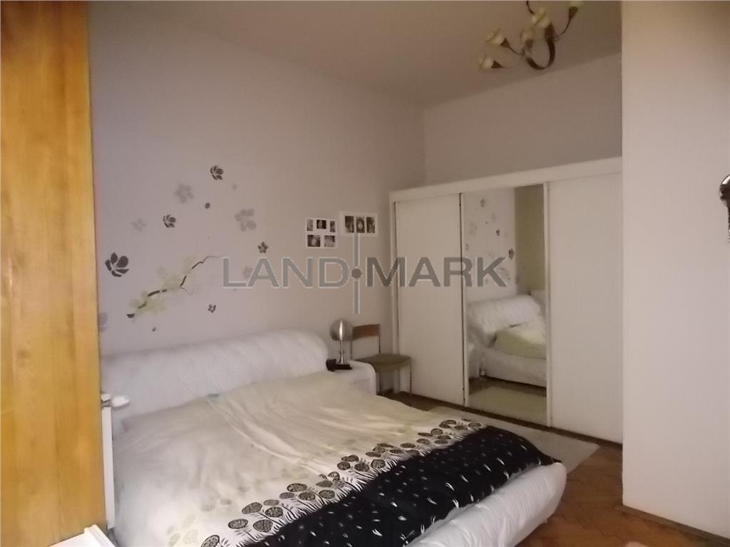 Apartament cu 5 camere de vanzare in zona Central medicina