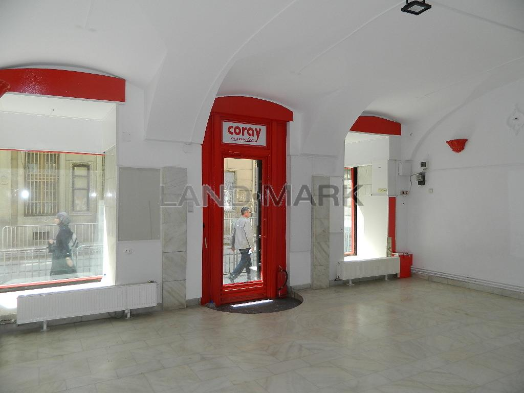 Spatiu Comercial , 100 mp,  Ultracentral