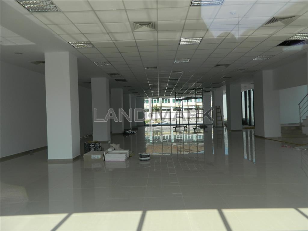 Spatii birouri , 200, 400 mp, cladire noua , semicentral
