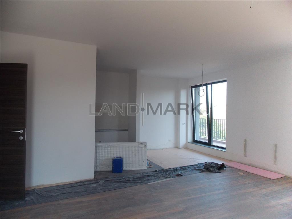 Apartament nou, lux, zona centrala