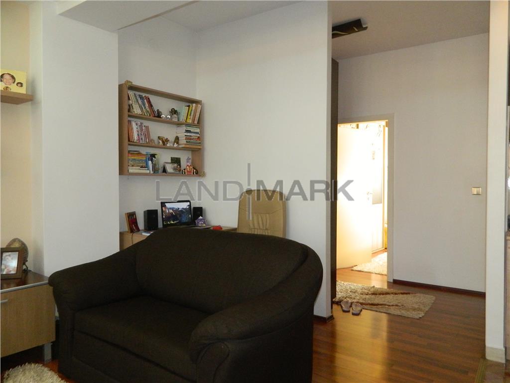 Apartament in bloc nou, mobilat, 2 balcoane, pozitie excelenta