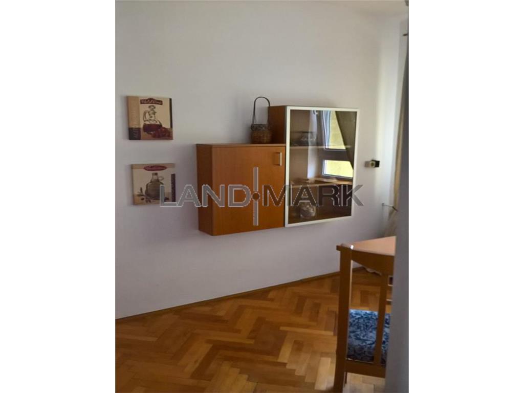 Apartament cu o camera, central, langa pta Unirii