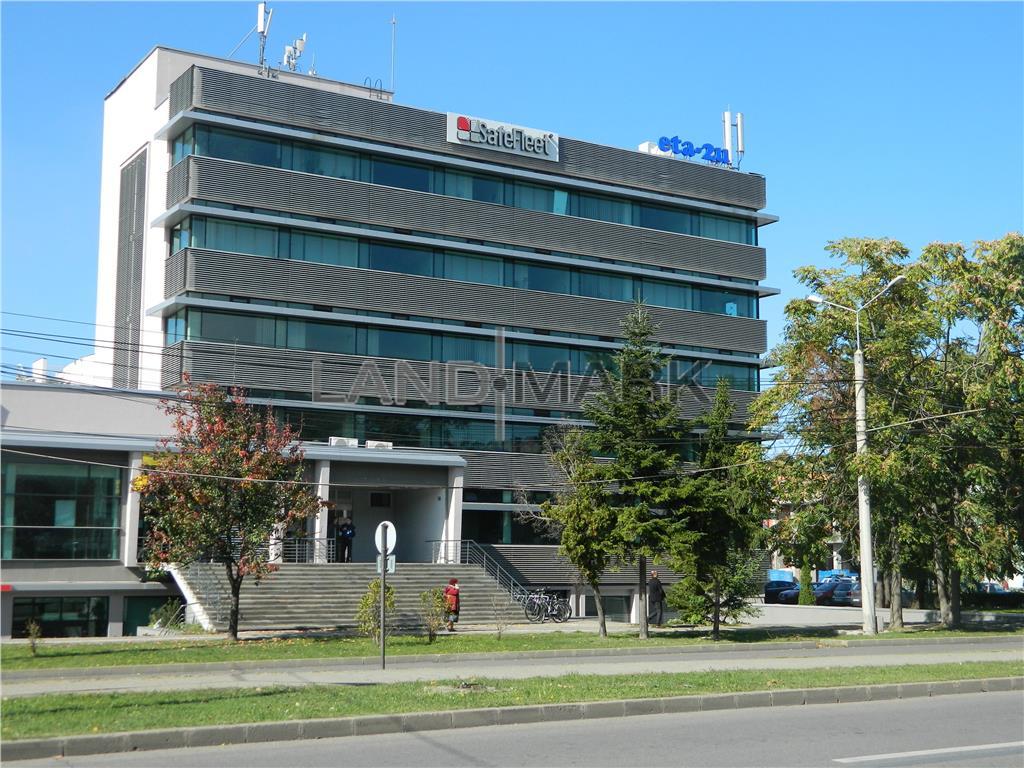 Spatii birouri ultracentral, 300  600 mp.