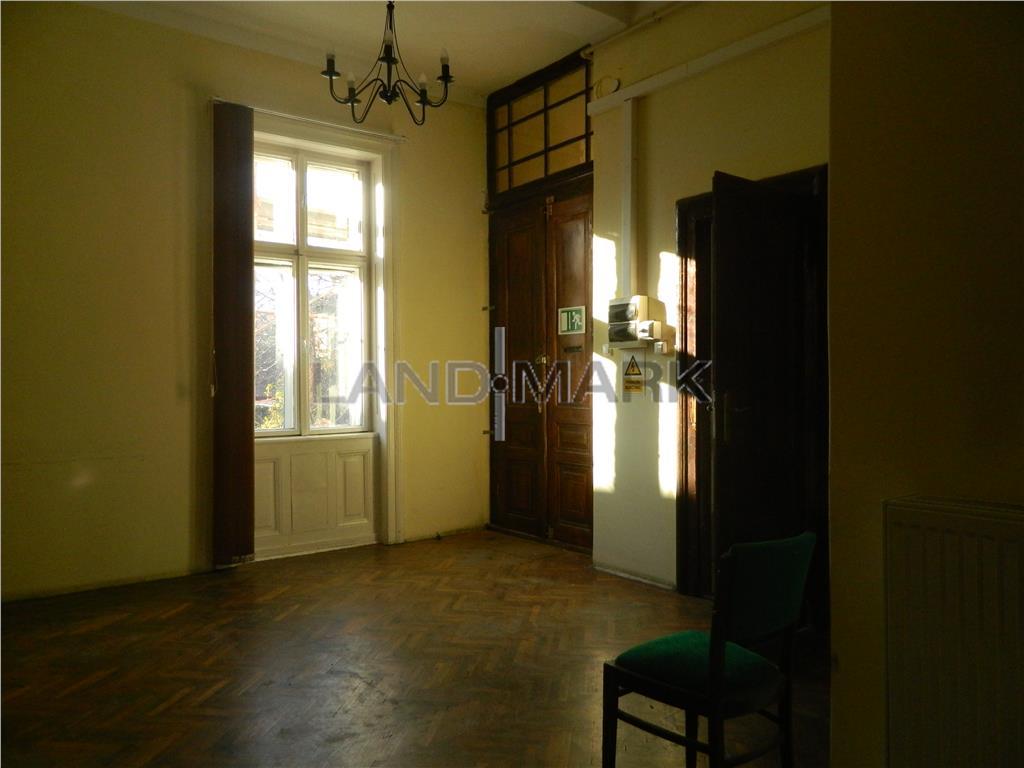 OFERTĂ! Apartament in zona Maria, imobil istoric, 800 euro/mp