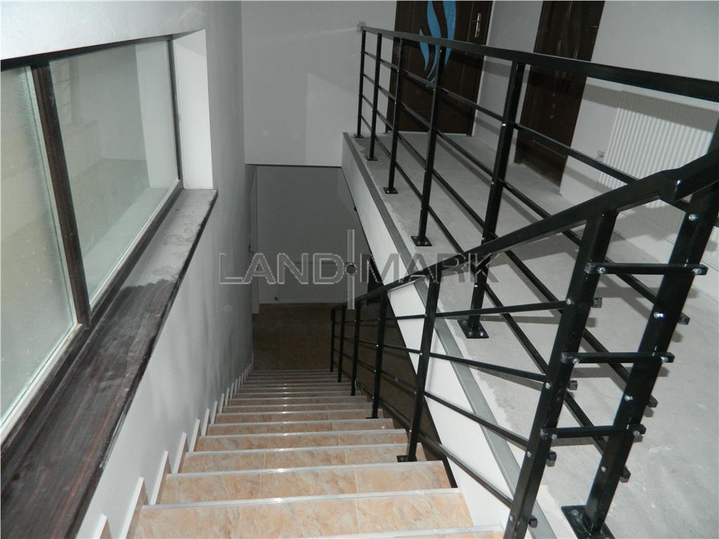 Casa cu 2 apartamente, semifinisată, Săcălaz