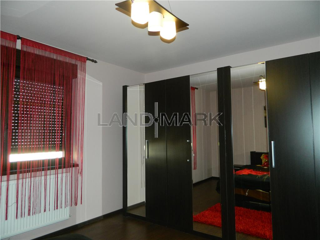 Apartament 3 camere lux, in vila, zona Favorit