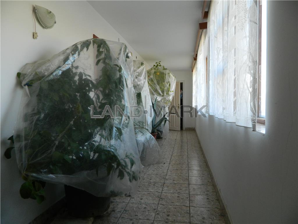 Casa de vanzare in centrul comunei Mosnita Noua
