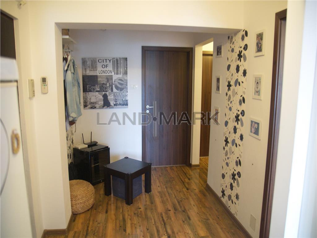 Apartament 3 camere in zona Lipovei