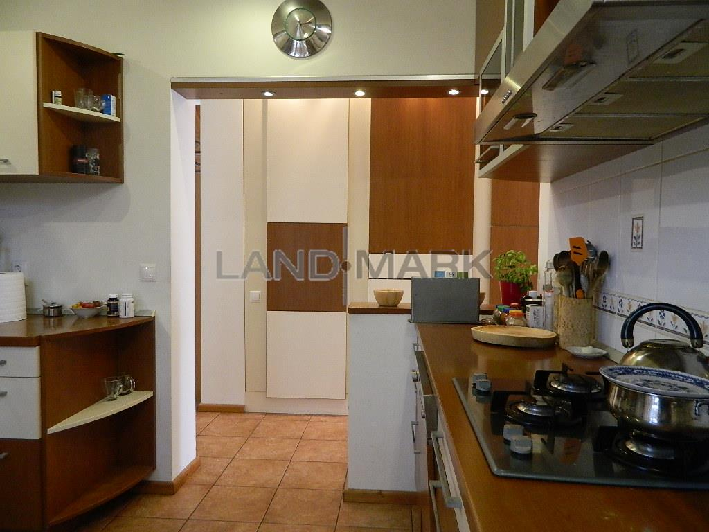 Vila lux, arhitectura deosebita, zona Girocului, COMISION 0
