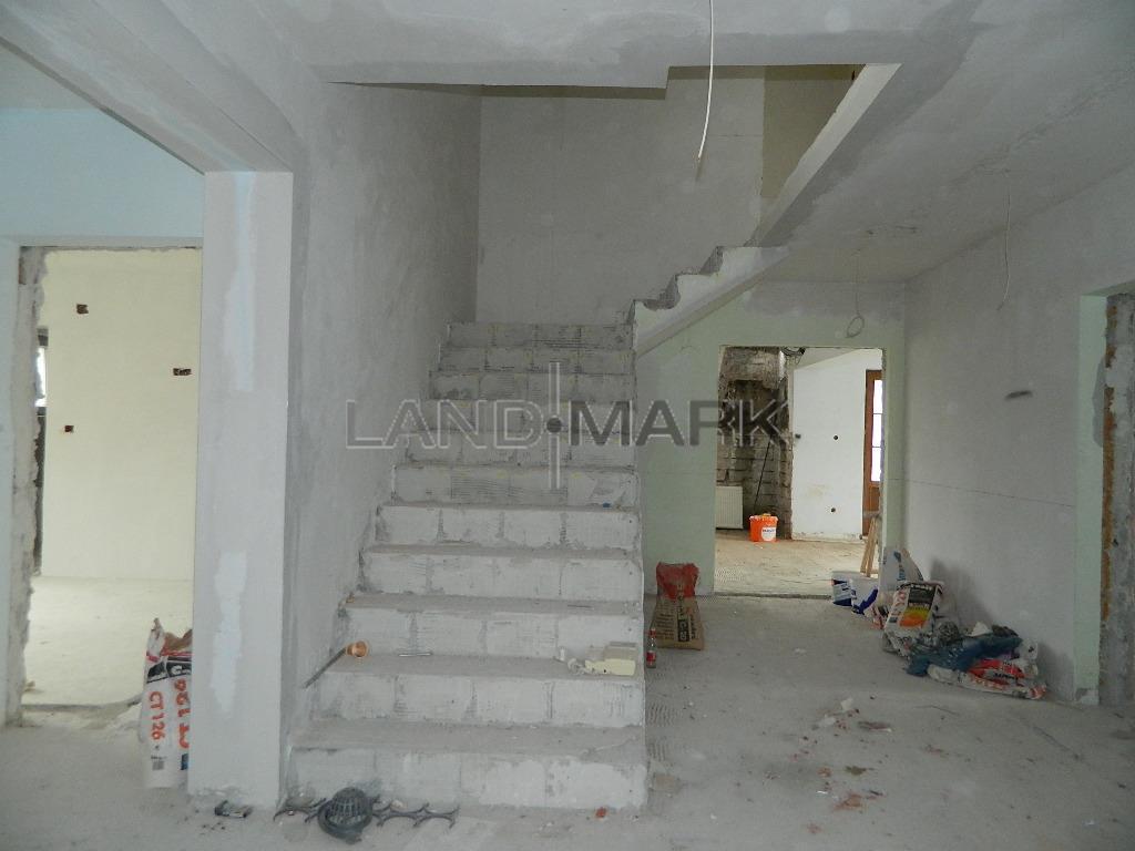 Imobil cu 12 camere zona calea Lugojului, pretabil Pensiune