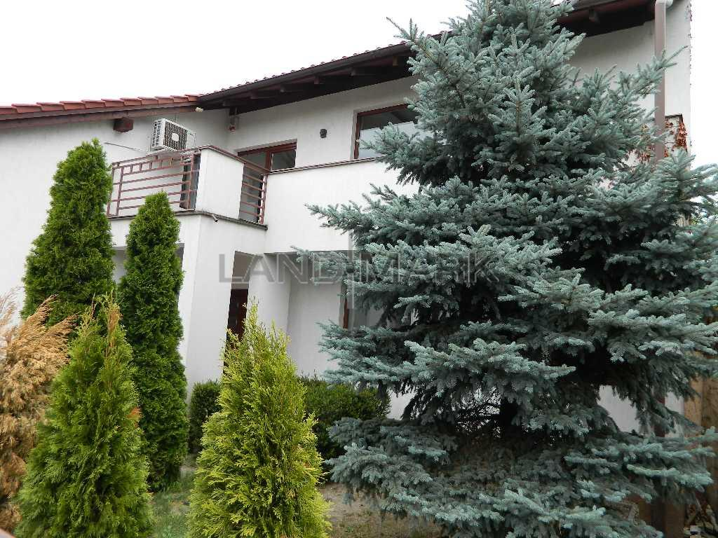 Vila de vanzare in zona Lipovei  Viile Fabric