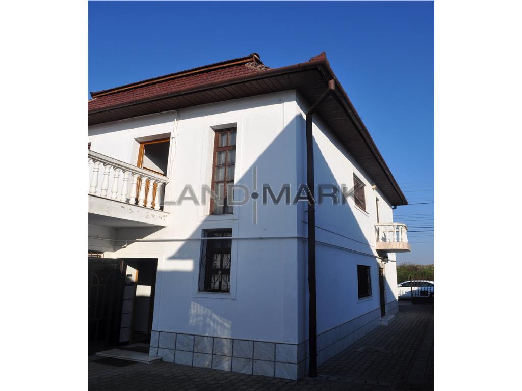 Vila P+E, 5 camere, curte, garaj, zona Girocului