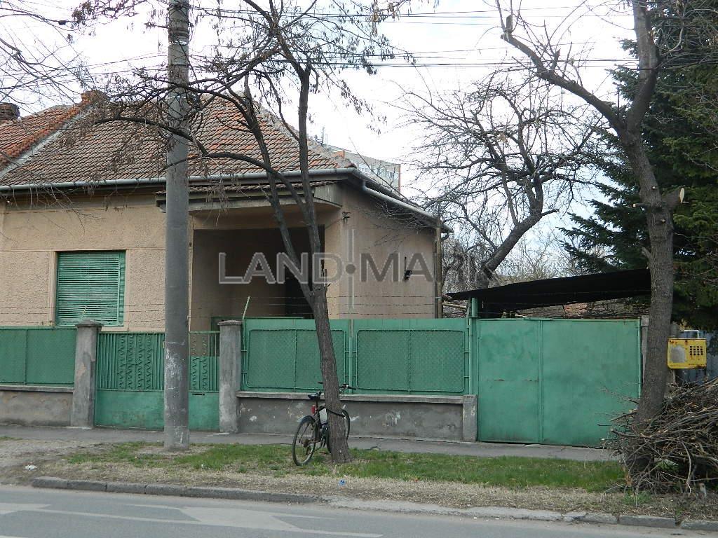 Casa cu 3 camere, curte, garaj, zona Budai Deleanu  LIDL