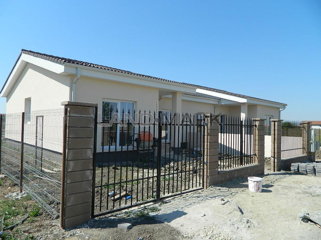 Duplex de vanzare, zona Mosnita Noua