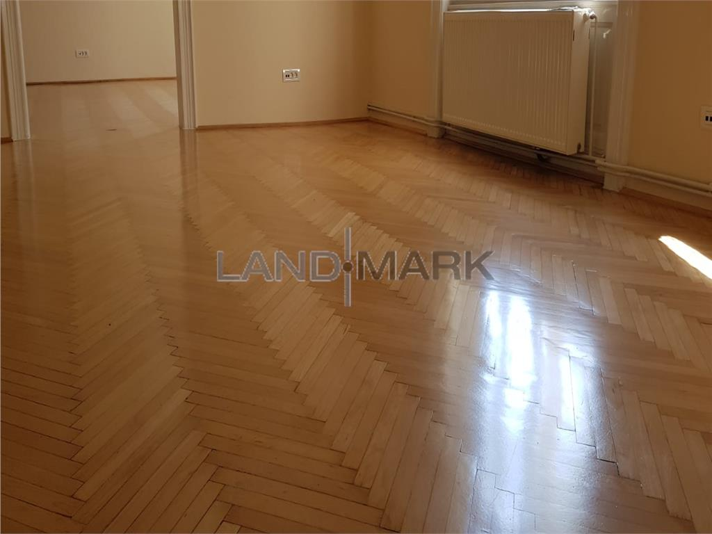 EXCLUSIVITATE! Apartament in cladire istorica, zona centrala