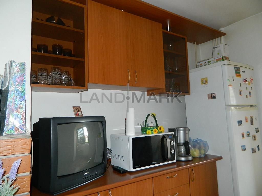 Apartament mobilat, Aradului