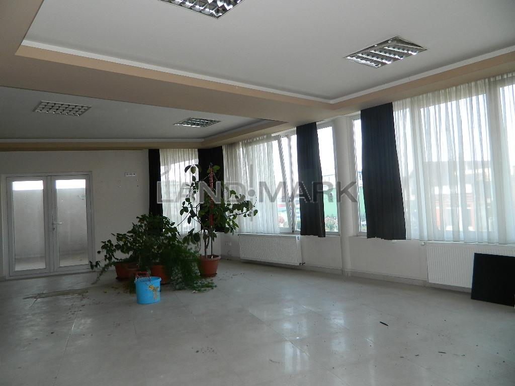Spatiu birouri / servicii , 150 mp , etaj 1 , Dumbravita