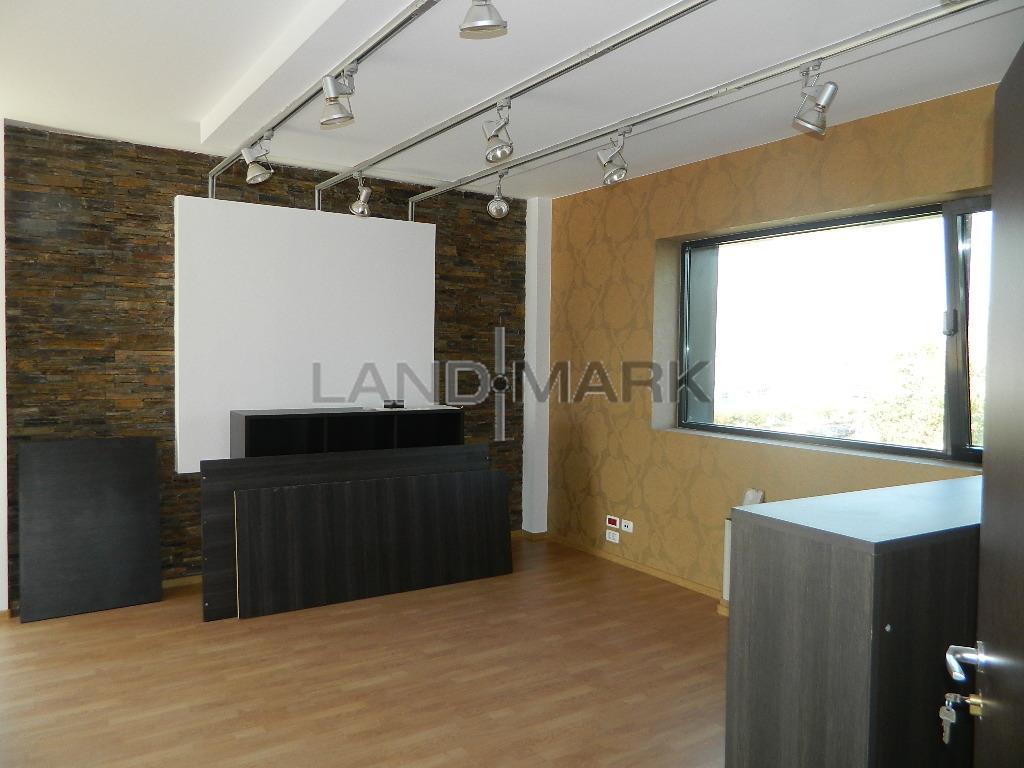 Spatii birouri 80 mp sau 50 mp Cladire noua zona Aradului