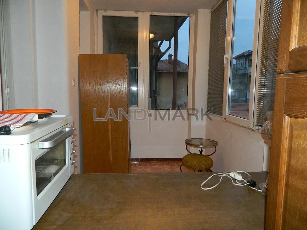 Apartament 4 camere in vila, la 500 de metri de Catedrala