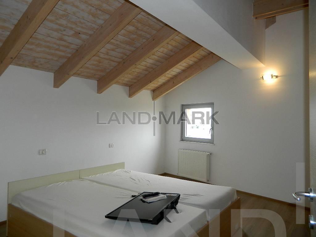 Ap. 2 Camere Complex, mobilat lux, utilat , bloc nou.