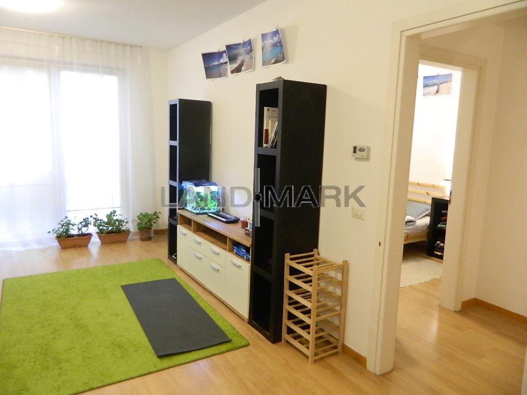 2 camere Central, Bloc nou, lift, parcare privata.