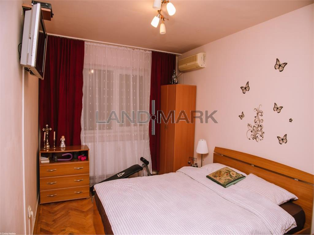 Apartament 3 camere decomandat, centrala, zona Sagului  Doina