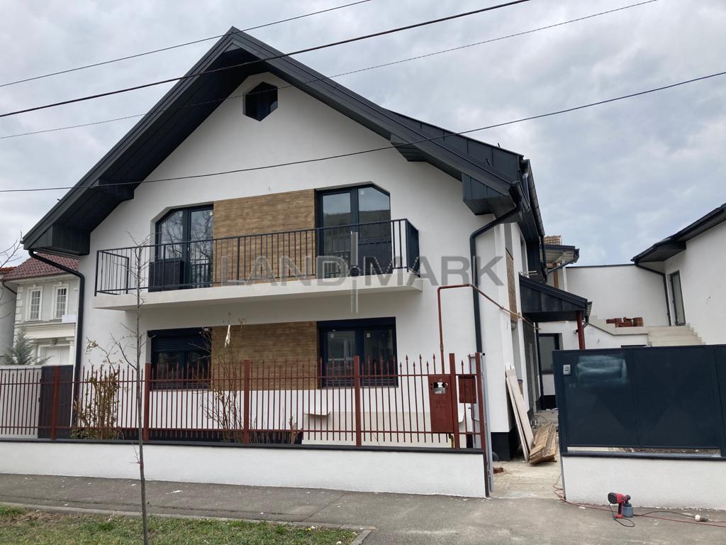Casa cu 3 apartamente in oras, , zona Aleea Ghirodei