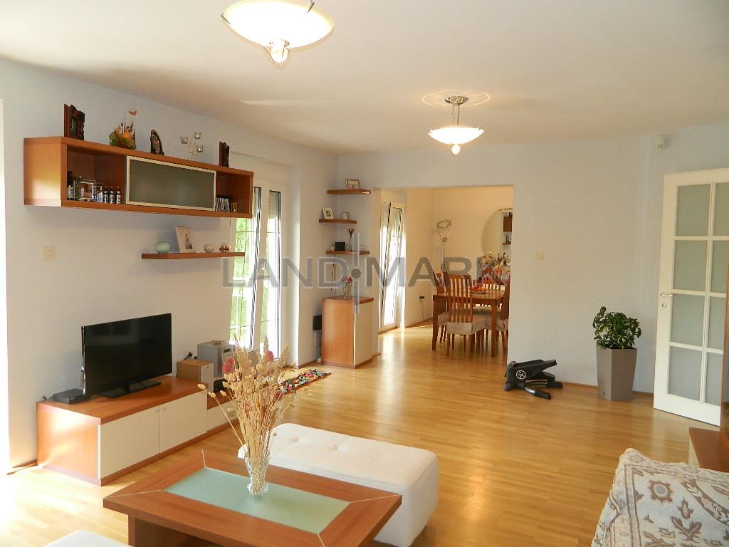 Vila deosebita cu 3 apartamente,  Blascovici 1