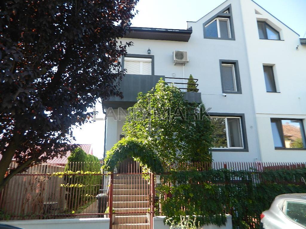 Vila noua spatioasa, garaj, terasa, zona Elisabetin, COMISION 0 !!