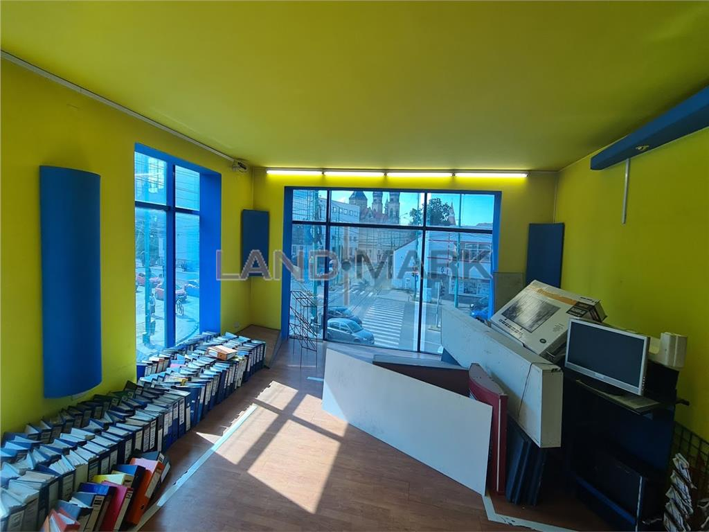 Spatiu comercial / show room , 350 mp intersectie  circulata