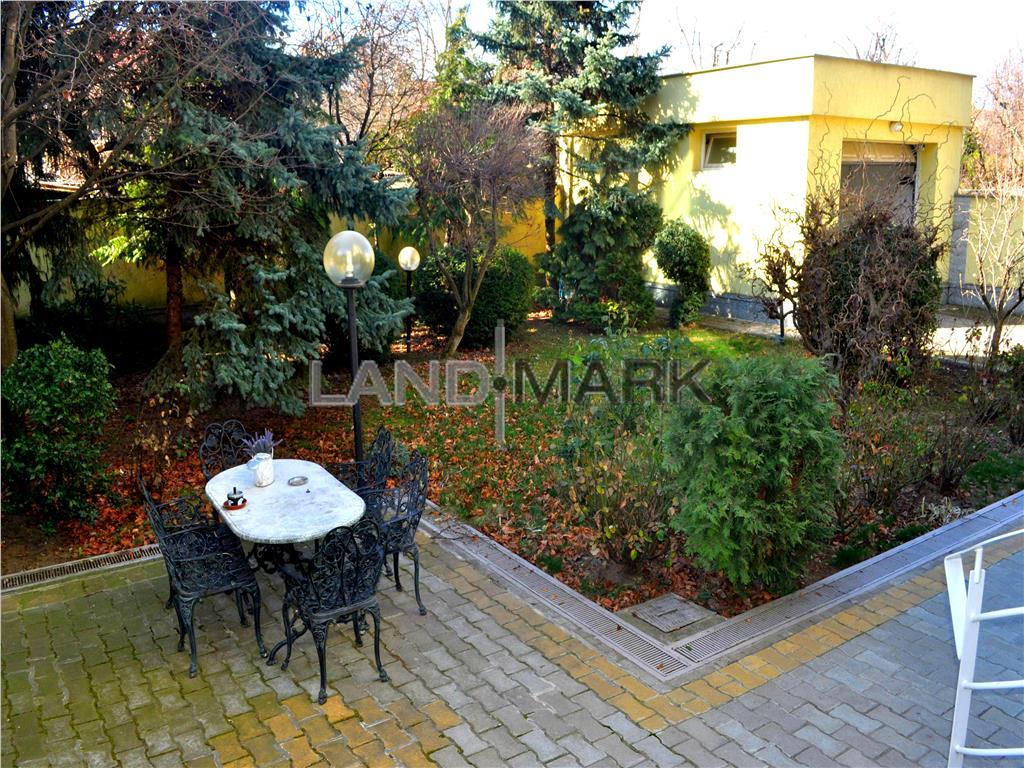 Vila lux,  zona Cluj  Universitate. Comision 0
