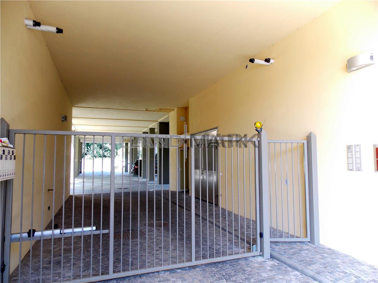 2 camere central, , bloc nou, parcare privata, nemobilat