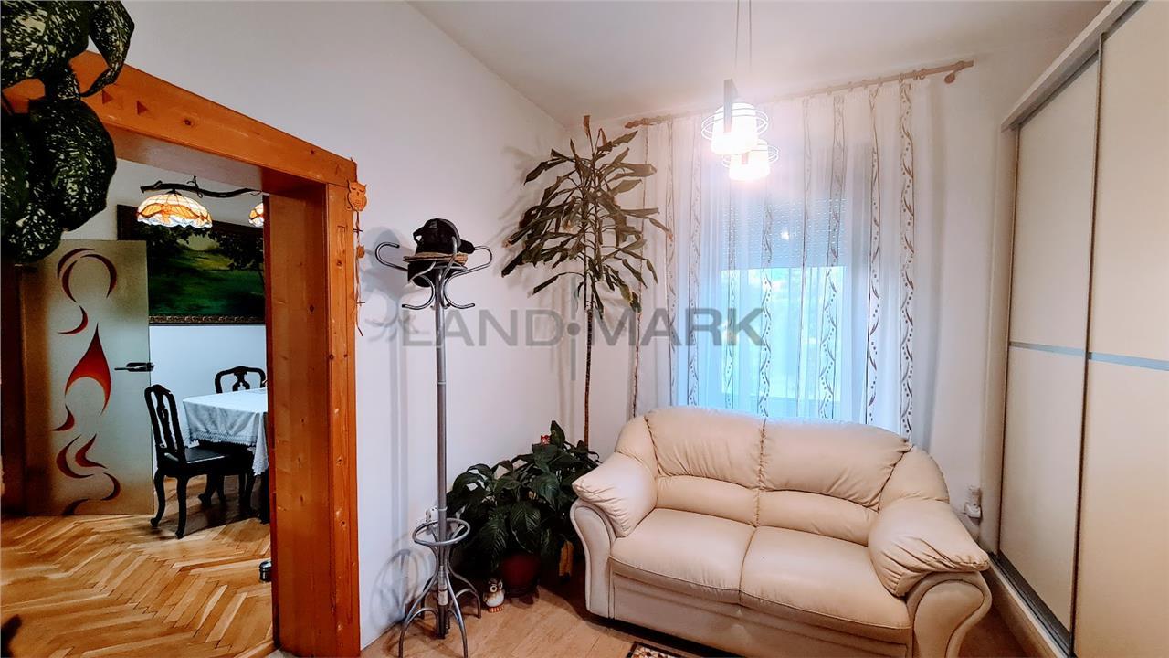 Casa cu 4 camere, garaj, 1200 mp teren, Zona BALCESCU