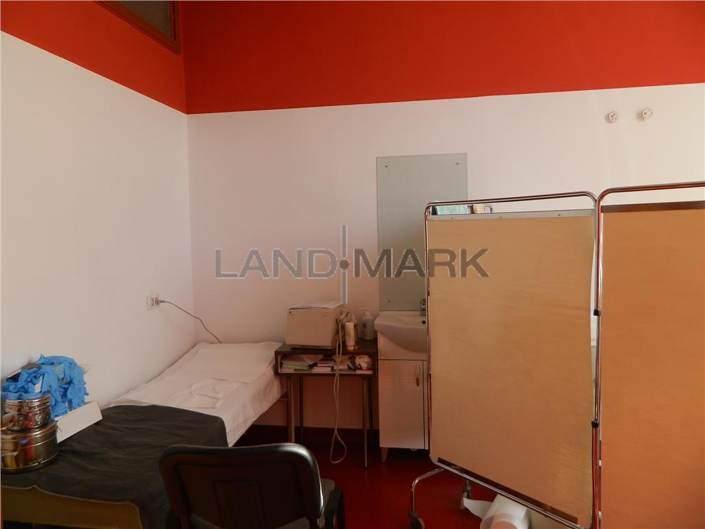 Cabinet medical 35 mp,  in Policlinica privata