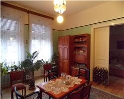 Apartament cu 4 camere de vanzare zona centrala aproape de P-ta Maria