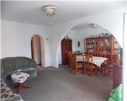 Apartament cu 5 camere de vanzare in zona Lipovei-viile fabric