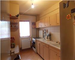 Apartament 3 camere, in zona Lipovei, parter