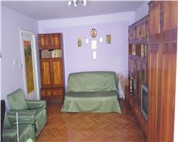 Apartament zona Aradului , Parter, Decomandat, Centrala proprie
