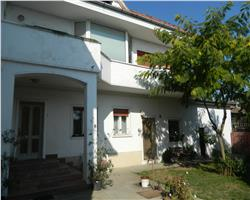 Vila de vanzare in zona Ronat